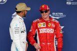 2018年F1第18戦アメリカGP 予選3番手のキミ・ライコネンとポールポジションのルイス・ハミルトン