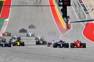 2018年F1第18戦アメリカGP スタートでルイス・ハミルトンをオーバーテイクしたキミ・ライコネン