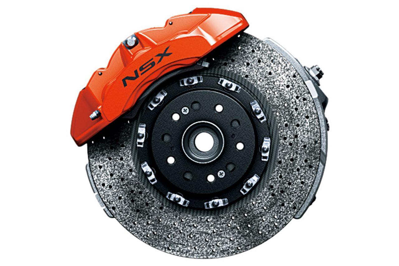 新色のオレンジに合わせたカーボンセラミックブレーキローター