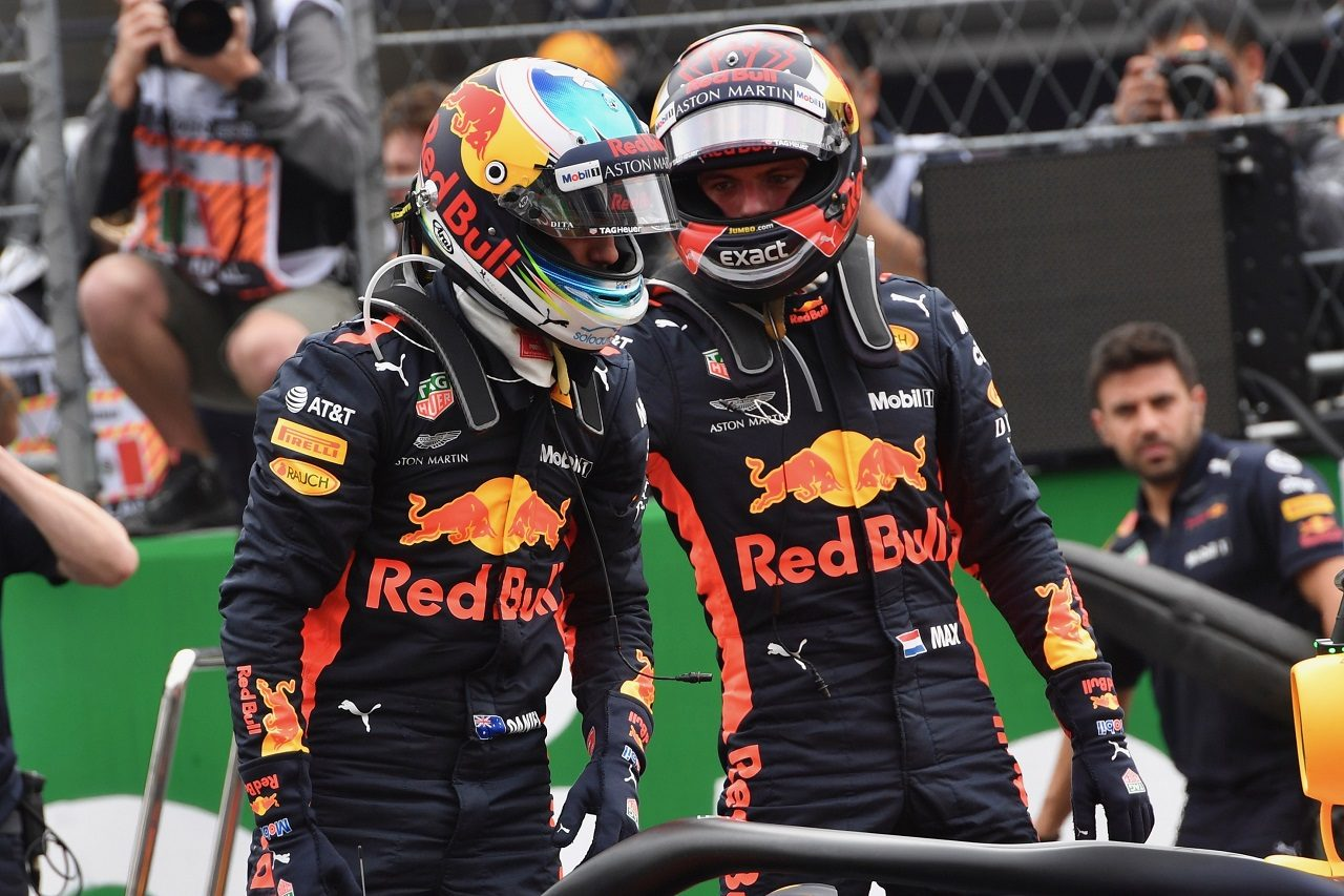 2018年F1第19戦メキシコGP ポールを獲得したダニエル・リカルドと2番手のマックス・フェルスタッペン(レッドブル)