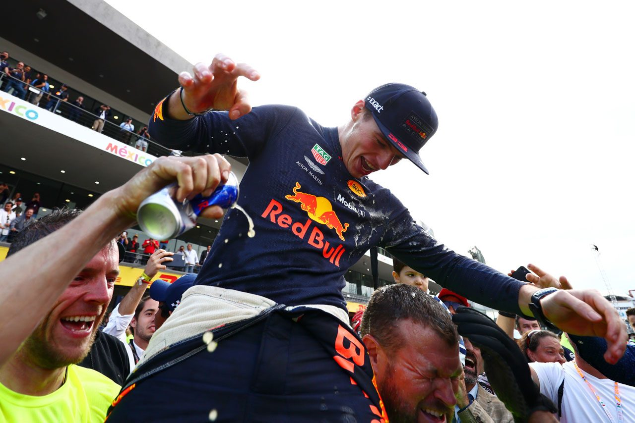 2018年F1メキシコGPで優勝を飾ったマックス・フェルスタッペン(レッドブル)