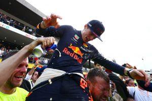 F1 | 2018年F1メキシコGPで優勝を飾ったマックス・フェルスタッペン(レッドブル)