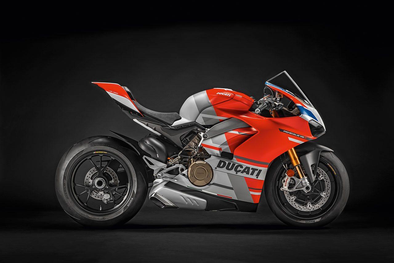 ドゥカティが新スーパーバイク、パニガーレV4 RをEICMA2018開催に先駆け発表。最高出力221馬力