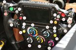 F1 | F1技術解説:複雑さを増す最新ステアリングスイッチの役割を解説
