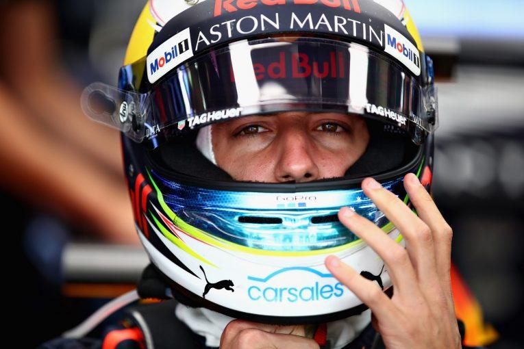 F1 | リカルドにグリッド降格ペナルティ。消火器使用が原因の不運なターボチャージャー故障で