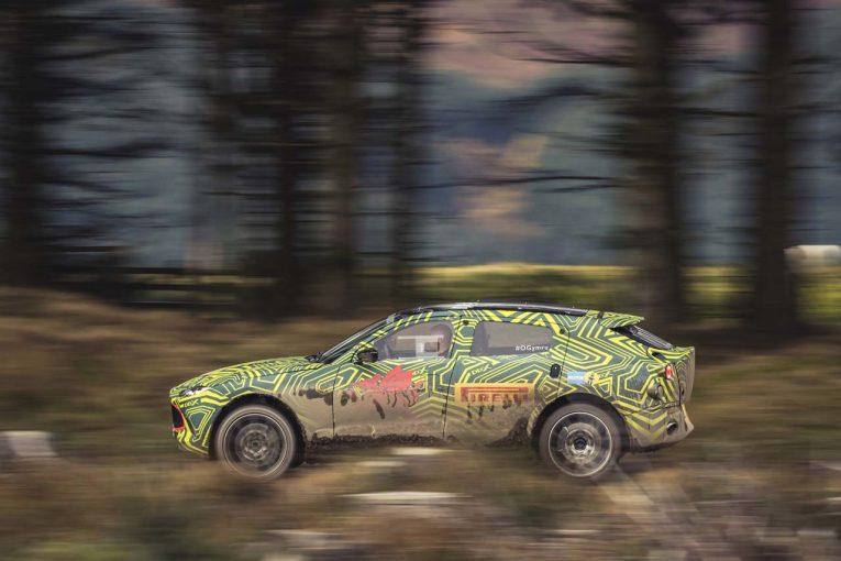 クルマ | アストンマーチン初のSUV、車名は『DBX』に。プロトタイプ車のテスト風景を公開