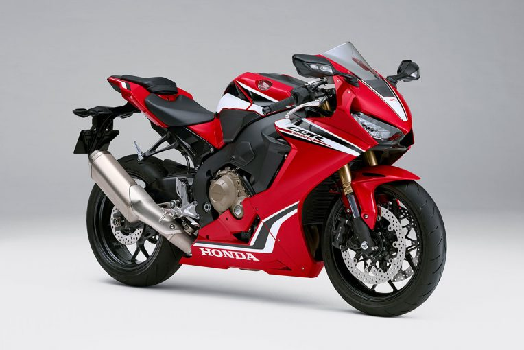 MotoGP | ホンダCBR1000RRが電子制御機能を熟成、カラーを一部変更して登場。2019年1月18日発売