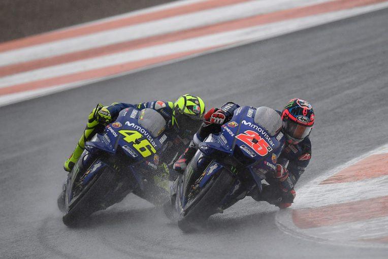 モビスター・ヤマハ・MotoGPは両者転倒したものの、ロッシはレース復帰し13位フィニッシュ