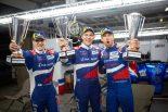 3位表彰台を獲得した(左から)ミカエル・アレシン、ビタリー・ペトロフ、ジェンソン・バトン