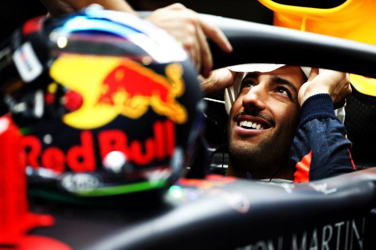 F1 | リカルド「ウルトラソフトでQ2を突破できたのは大きい。フェラーリを倒して表彰台に上りたい」:F1アブダビGP土曜