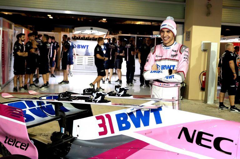 F1   オコン「パワーユニットトラブルに見舞われながら、Q3に進出。予選に間に合わせてくれたチームに感謝する」:F1アブダビGP土曜