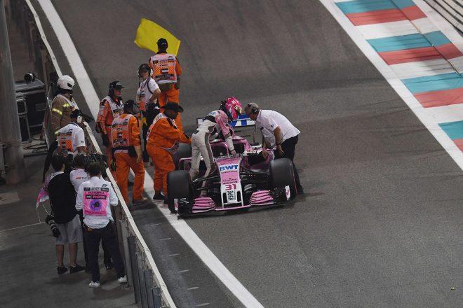 2018年F1第21戦アブダビGP マシントラブルでリタイアを喫したエステバン・オコン