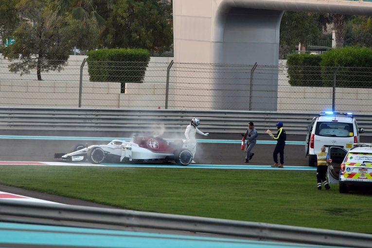 F1 | ベッテルがクラッシュも首位。ザウバーのライコネンはトラブルでストップ/F1テスト デイ1