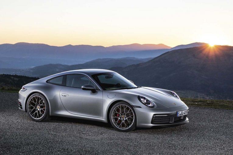 クルマ | ポルシェ、第8世代となる新型『911(992型)』を世界初公開。先代からワイド&パワフルに進化