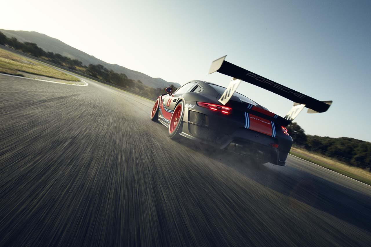 ポルシェ 911 gt2 rsクラブスポーツ を200台限定生産 gt2カテゴリー
