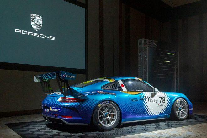 会場にはポルシェカレラカップ・ジャパンを戦った車両も展示された。こちらはオーバーオールクラス王者、近藤翼の78号車