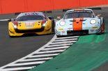 ELMSのGTEクラスに参戦するJMWモータースポーツの66号車フェラーリとガルフ・レーシングの86号車ポルシェ