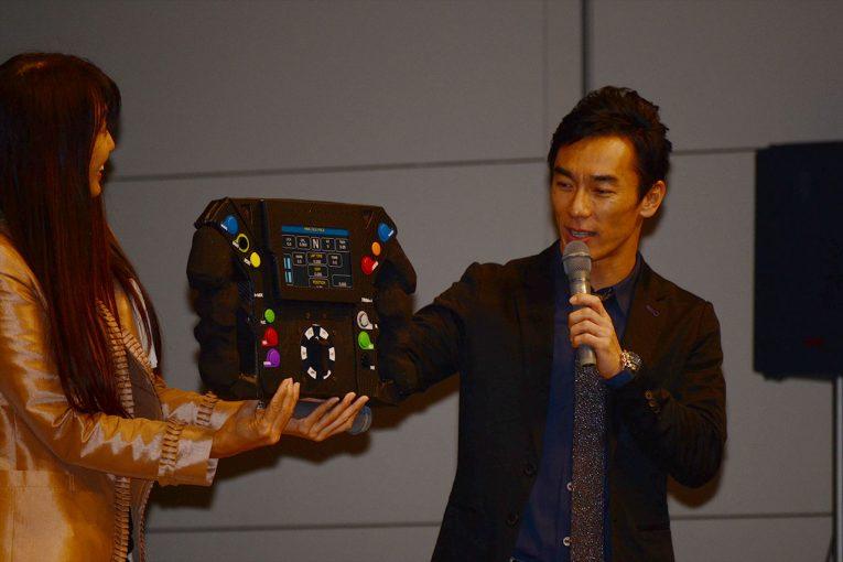 海外レース他 | 恒例のファン交流イベントを開催した佐藤琢磨「インディに革命を起こしたエンジニアがチームに」と2019年に期待