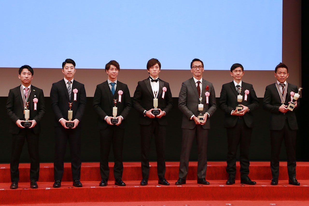 全日本ロードレース選手権のルーキー・オブ・ザ・イヤー表彰式の様子