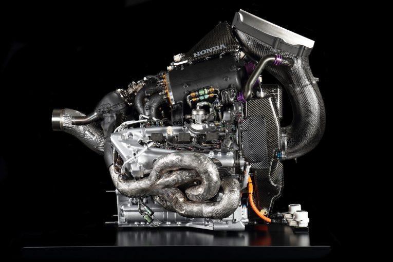 F1   F1エントラント増加のための規則案が明らかに。既存パワーユニットマニュファクチャラーに、新規参入者への技術支援を義務付け