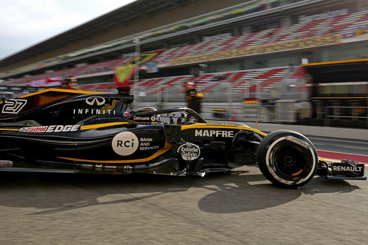 2018年F1プレシーズンテストでルノーR.S.18を走らせるヒュルケンベルグ