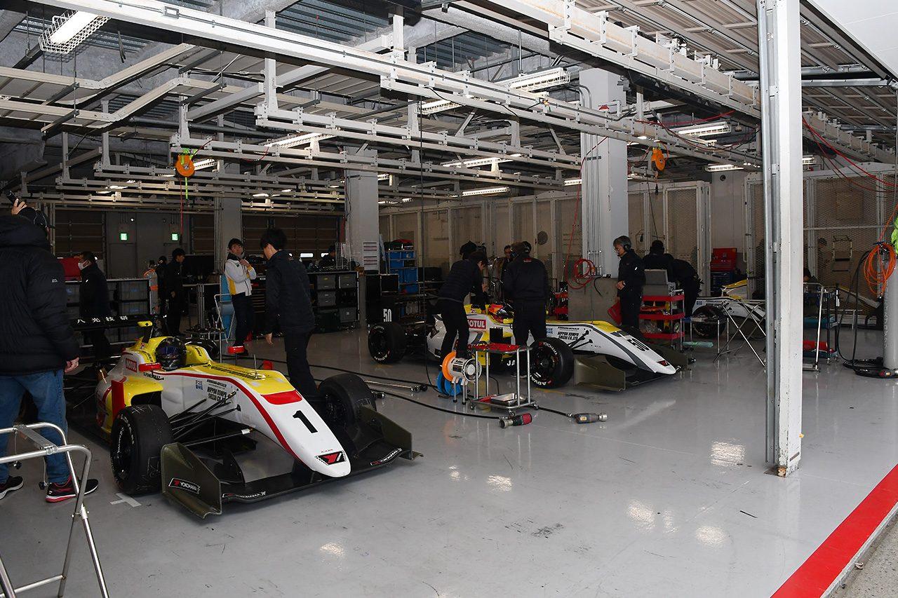 まるでヨーロッパ!? 全日本F3鈴鹿テスト参加の2チームに外国人ドライバー/スタッフが多数