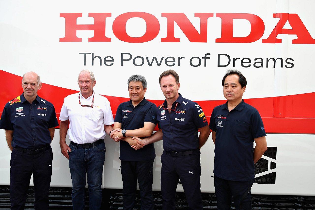 ホンダの山本MS部長、田辺F1テクニカルディレクターとレッドブル首脳陣
