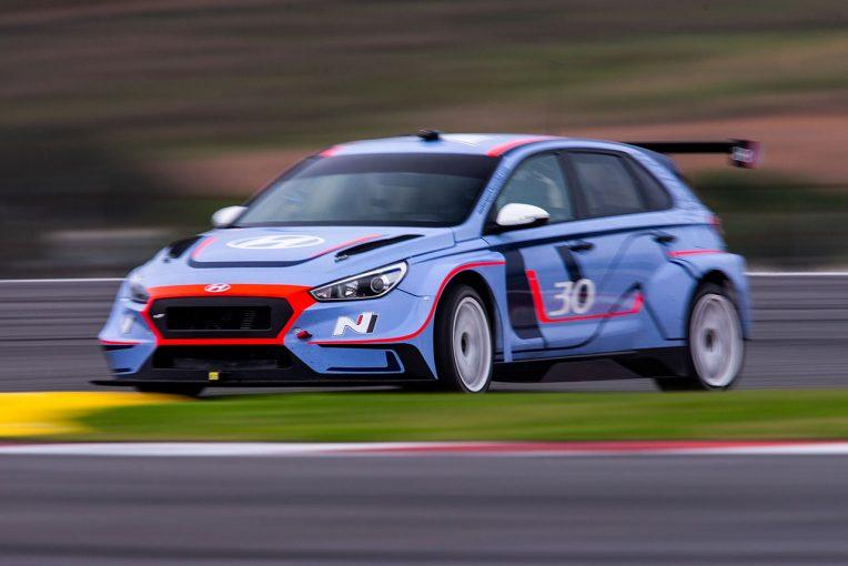 海外レース他 | WTCR:ヒュンダイがオフテスト実施。初TCRのキャッツバーグ「これまでのマシンとまったく違う」