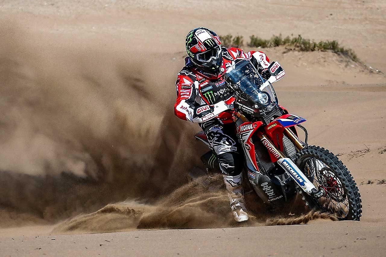 """二輪部門に挑むホンダ、立ち向かうは""""ペルーの軟らかい砂""""。対策はエンジン耐久性向上"""