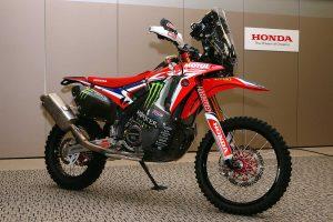 MotoGP | 2019年仕様のホンダCRF450 RALLY(右)
