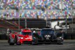 マツダチーム・ヨーストの55号車マツダRT24-Pとウェレン・エンジニアリング・レーシングの31号車キャデラックDPi-V.R
