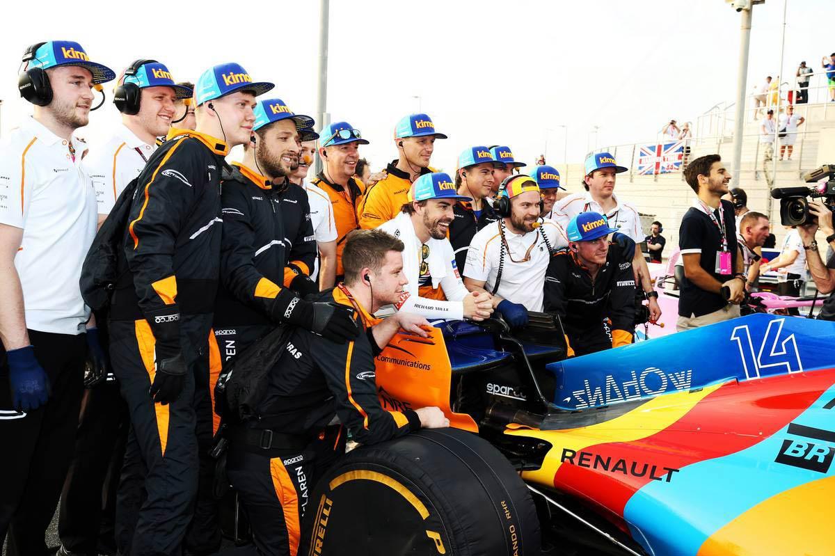 グランプリのうわさ話:スペイン版のエイプリルフールを真に受けてしまったマクラーレン