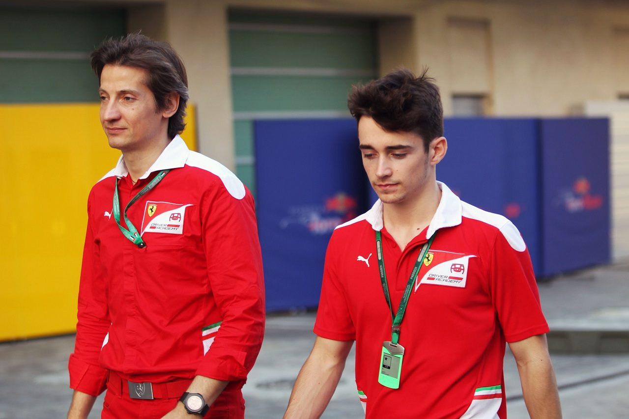 フェラーリ・ドライバー・アカデミーのボス、マッシモ・リボラとシャルル・ルクレール