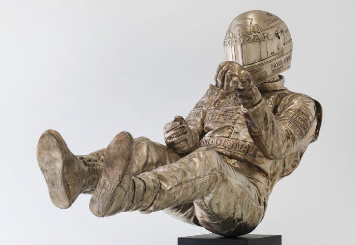 ポール・オズが製作したアイルトン・セナのブロンズ像