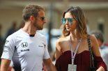 "F1 | ジェンソン・バトンがパパに。フィアンセとの第一子""ベビー・バトン""のエコー写真を公開"