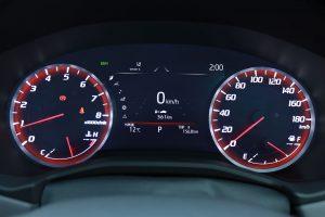クルマ | ドライブモードを『SPORT S』、『SPORT S+』に設定するとメーターリングが赤に変わる。