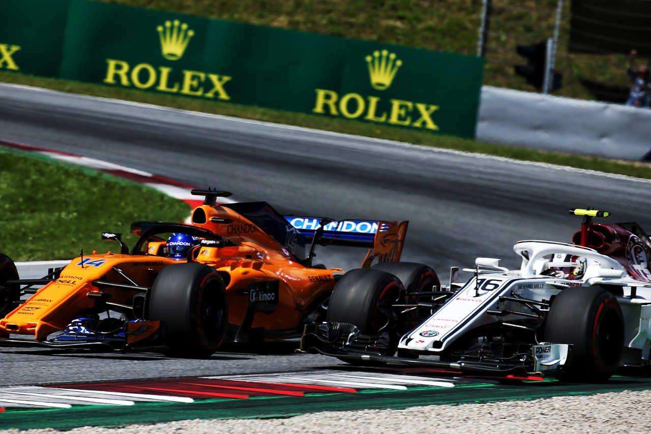 2018年F1第9戦オーストリアGP フェルナンド・アロンソ(マクラーレン)、シャルル・ルクレール(ザウバー)