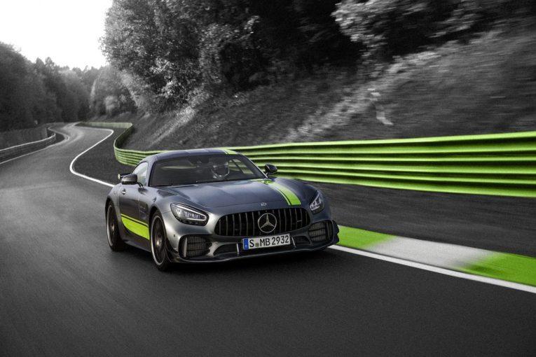クルマ   メルセデス、新型『AMG GT』と『GT R PRO』発表。待望の4ドアクーペも登場