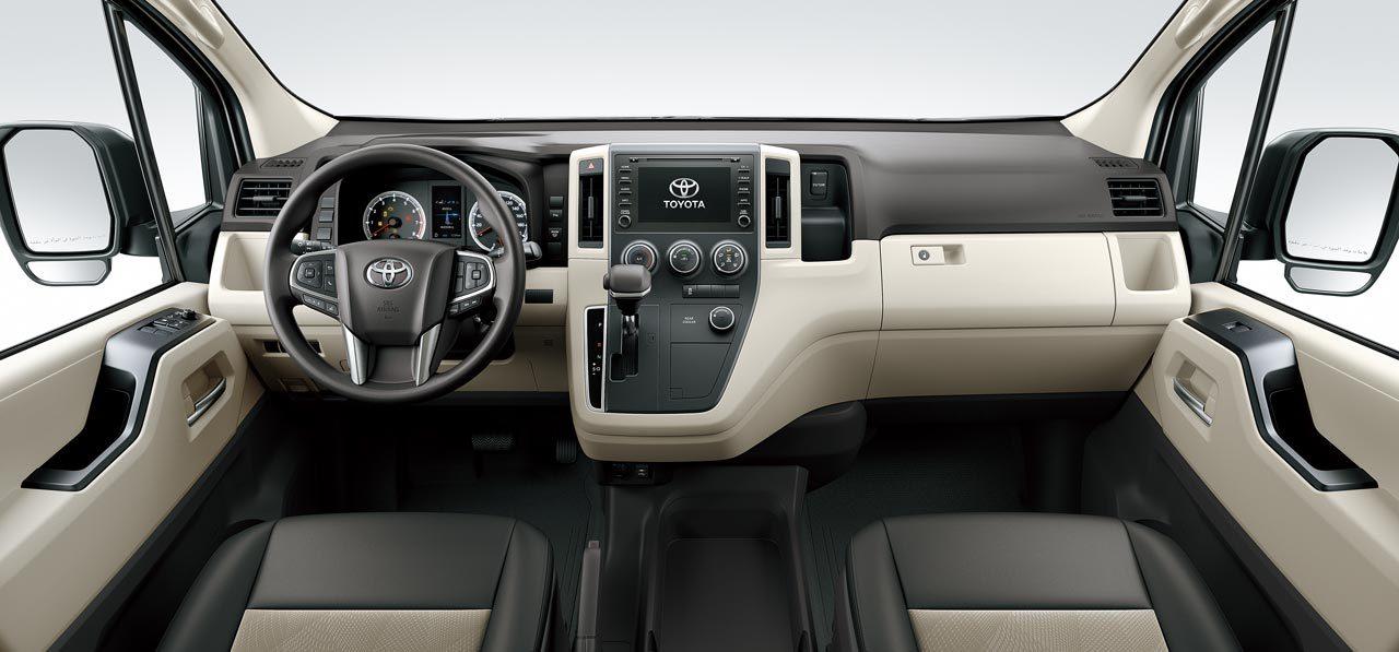 トヨタ、セミボンネット化&新型プラットフォーム採用の海外向け『ハイエース』を世界初公開