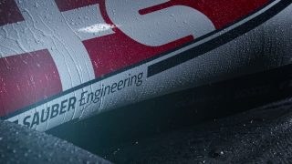F1 | 【動画】アルファロメオ・レーシングの新型マシン『C38』を動画で紹介。斬新な水しぶきの演出