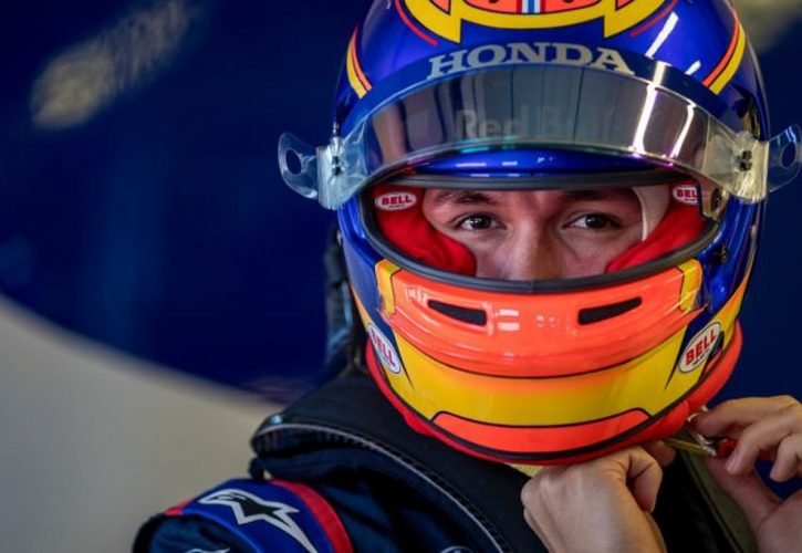 トロロッソ・ホンダのアルボン、亡きタイ国王に敬意を表したヘルメットを使用。将来の母国GP開催にも期待