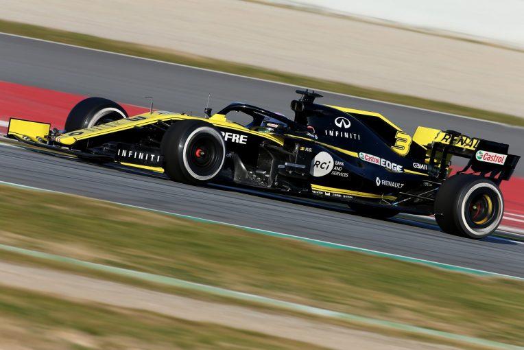 F1 | 【動画】リカルド、ストレートでウイングが吹き飛びスピン。間一髪でクラッシュ免れる