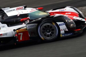 TOYOTA GAZOO Racingのマイク・コンウェイ、小林可夢偉、ホセ-マリア・ロペス組7号車トヨタTS050ハイブリッド