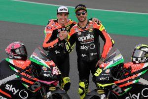 アプリリアで2019年シーズンのMotoGPを戦うアレイシ・エスパルガロ(左)とアンドレア・イアンノーネ(右)