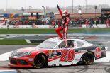 海外レース他 | NASCAR第2戦:下位シリーズ戦うトヨタ・スープラが初勝利。カップシリーズはマスタングが制す