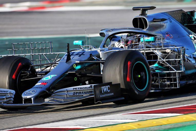 F1   メルセデスの新エアロパッケージは開幕戦仕様。「マシンの感触が改善した」とハミルトンの第一印象はポジティブ