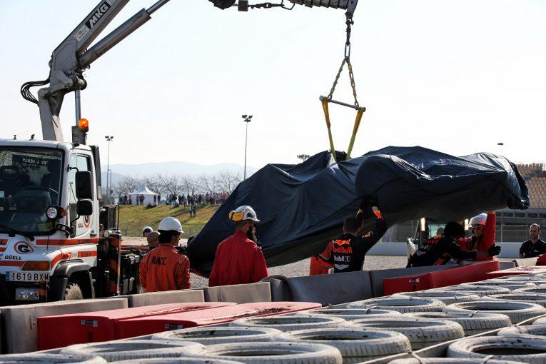 F1 | 【オンボード動画】ガスリーがバリアにクラッシュ、レッドブルRB15が大破