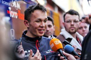 F1 | アルボン「トロロッソ・ホンダで速く走る方法をつかみ始めている。デビュー戦に向けて準備は整った」/F1オーストラリアGPプレビュー