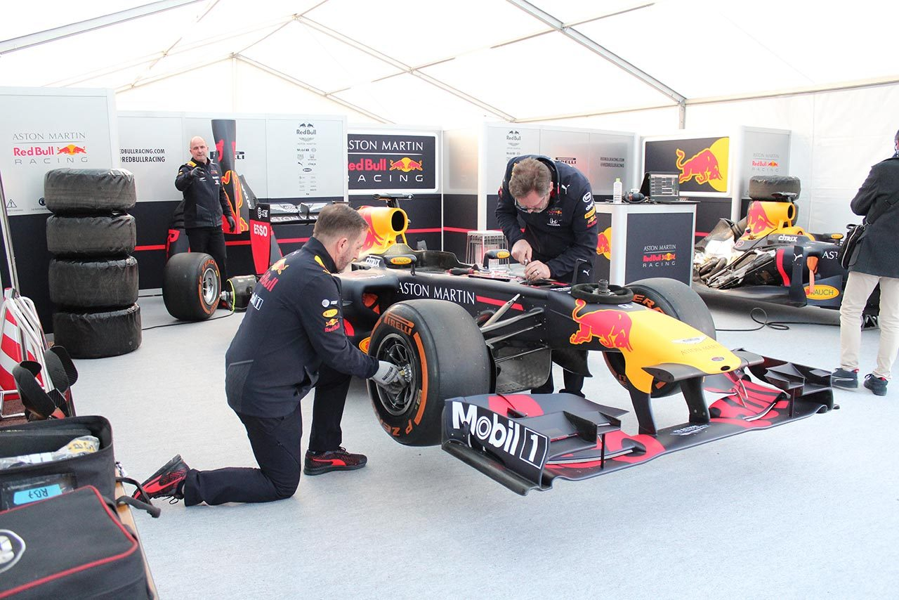 『世界最高峰F1チームと青山学院学生による知的交流』