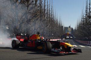 F1 | 【動画】レッドブルF1マシンが神宮外苑いちょう並木を疾走! ホンダF1トークショーの模様も